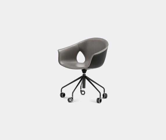 Poltrona Frau 'Ginger Ale' chair, five-spokes base with castors