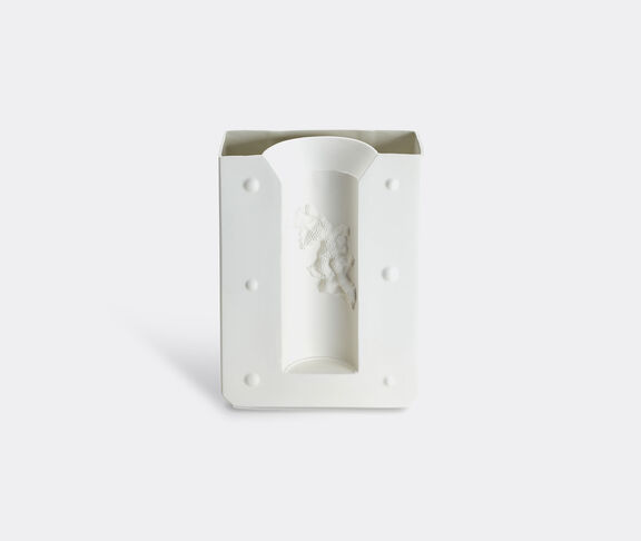 1882 Ltd Negative Vase 1