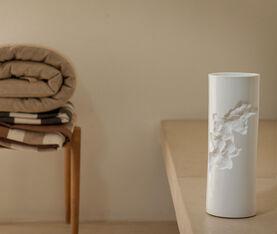 1882 Ltd Postive Vase 3